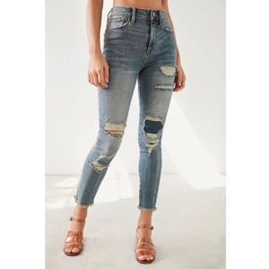 BDG Twig Crop Distressed Patch High-Rise Jean EUC